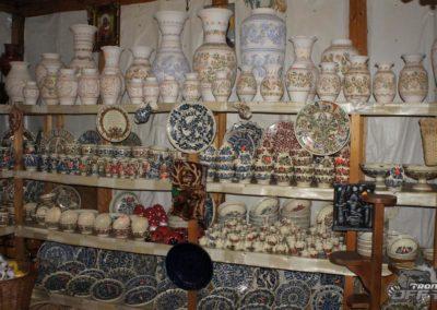 Corund pottery